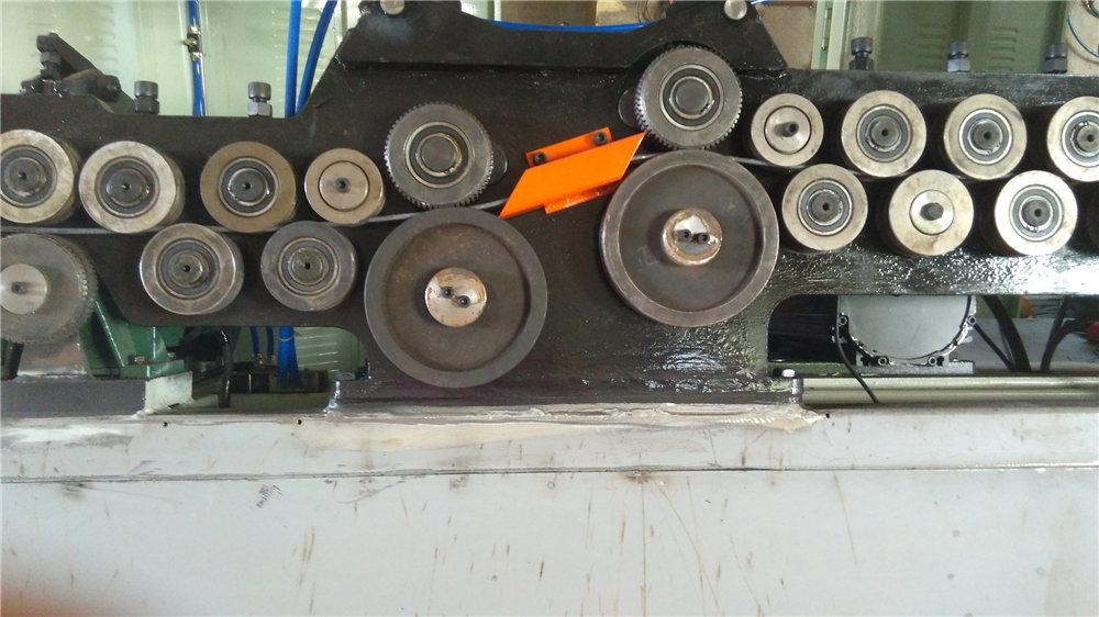 מכונת כיפוף אוטומטיים